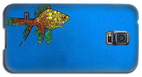 Goldfish Study 4 - Stone Rock'd Art By Sharon Cummings Galaxy S5 Case by Sharon Cummings