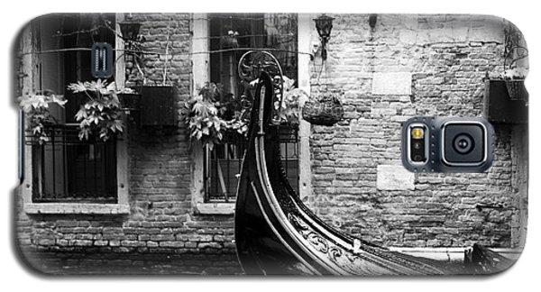 Gondola In Venice Bw Galaxy S5 Case