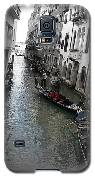 Galaxy S5 Case featuring the photograph Gondolier by Laurel Best