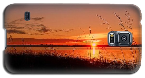 Galaxy S5 Case featuring the photograph Good Morning ... by Juergen Weiss