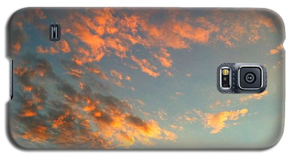 Galaxy S5 Case featuring the photograph Good Morning by Linda Bailey