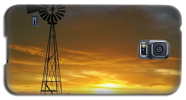 Galaxy S5 Case featuring the photograph Good Morning by Shirley Heier