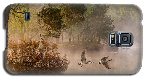 Geese Galaxy S5 Case - Goose Fight by Anton Van Dongen