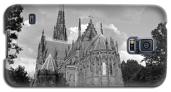 Galaxy S5 Case featuring the photograph Gothic Church In Black And White by John Telfer