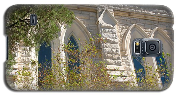 Gothic Windows - Austin Texas Church Galaxy S5 Case by Connie Fox