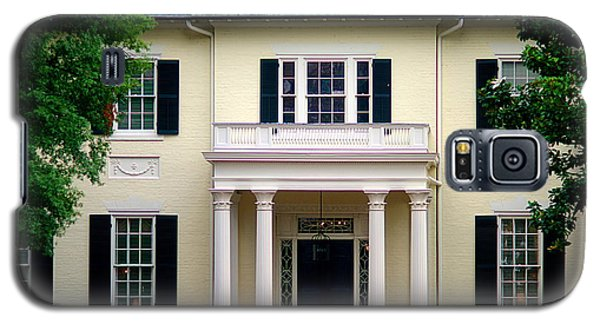 Galaxy S5 Case featuring the photograph Va Govenors Mansion Richmond Va by Suzanne Powers