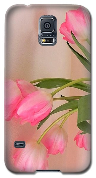 Galaxy S5 Case featuring the photograph Graceful And Delicate by Peggy Stokes