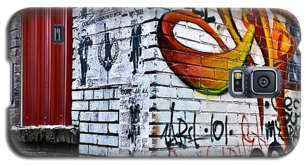 Galaxy S5 Case featuring the photograph Graffiti Alley by Greg Jackson