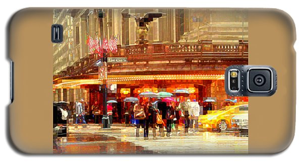 Grand Central Station In The Rain - New York Galaxy S5 Case by Miriam Danar