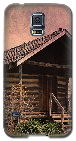 Gray Campbell Farmstead Cabin Galaxy S5 Case