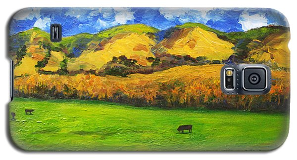 Galaxy S5 Case featuring the painting Grazing by Cheryl Del Toro