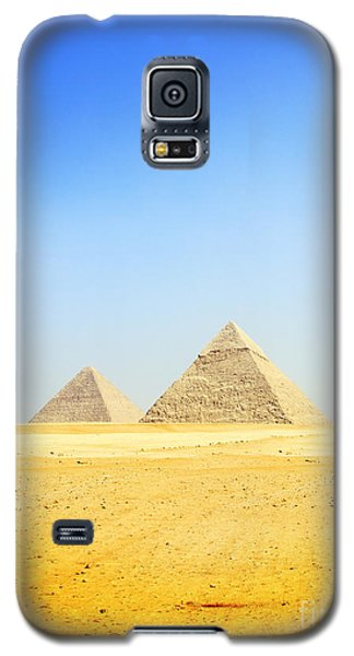 Galaxy S5 Case featuring the photograph Great Pyramid Of Giza by Mohamed Elkhamisy