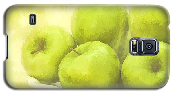 Galaxy S5 Case featuring the photograph Green Apples by Linda Blair