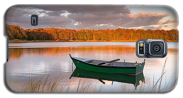 Green Boat On Salt Pond Galaxy S5 Case