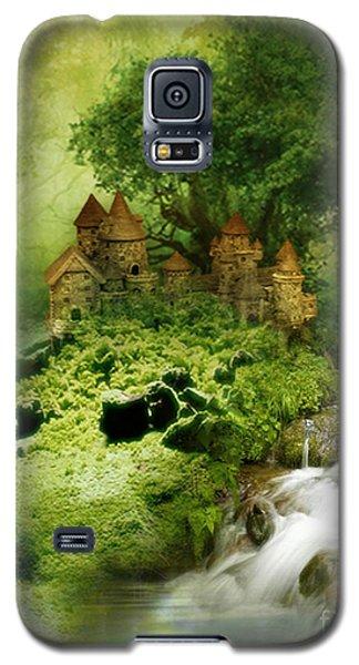 Galaxy S5 Case featuring the digital art Green - Fantasy Art By Giada Rossi  by Giada Rossi