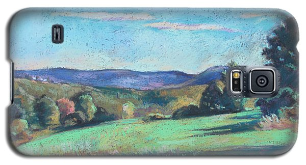 Green Field With Shadows Galaxy S5 Case by Linda Novick