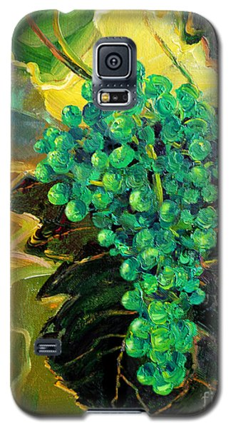 Galaxy S5 Case featuring the painting Green Grapes by Cheryl Del Toro
