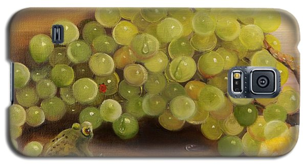 Green Grapes Green Frog Galaxy S5 Case by Joni McPherson