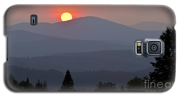 Green Mountain Sunset Galaxy S5 Case by Alan L Graham