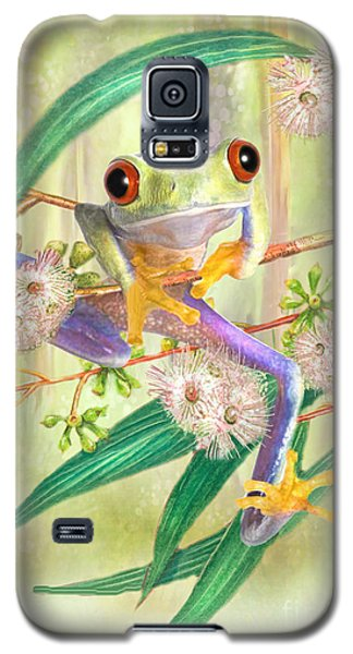 Galaxy S5 Case featuring the digital art Green Tree Frog by Trudi Simmonds