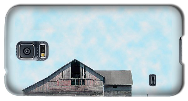 Galaxy S5 Case featuring the photograph Grey Barn by Gena Weiser