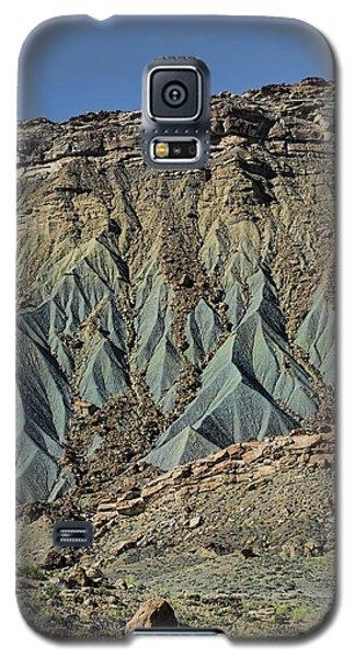 Grey Cliffs In Waterpocket Fold  Galaxy S5 Case by Gregory Scott
