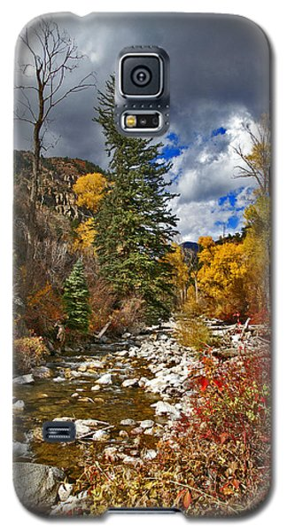 Galaxy S5 Case featuring the photograph Grizzly Creek Vertical by Jeremy Rhoades