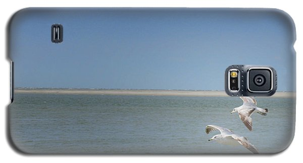 Galaxy S5 Case featuring the photograph Gulls In Flight by Erika Weber