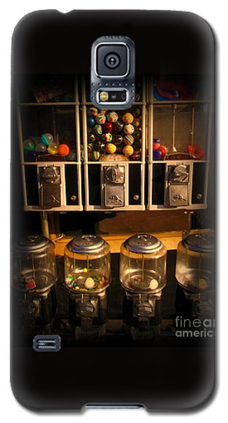 Gumball Memories - Row Of Antique Vintage Vending Machines - Iconic New York City Galaxy S5 Case by Miriam Danar