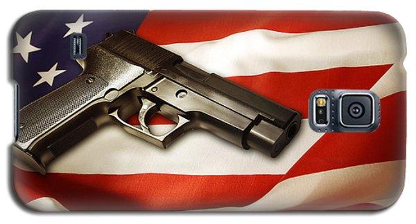 Gun On Flag Galaxy S5 Case by Les Cunliffe