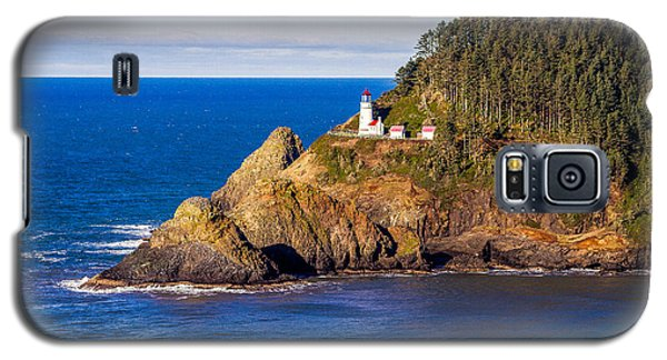 Galaxy S5 Case featuring the photograph Haceta Head Lighthouse by Dennis Bucklin