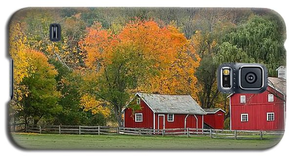 Galaxy S5 Case featuring the photograph Hale Farm And Village by Daniel Behm