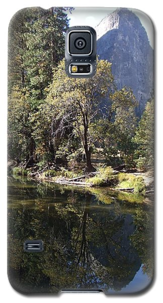 Galaxy S5 Case featuring the photograph Half Dome Reflection by Richard Reeve