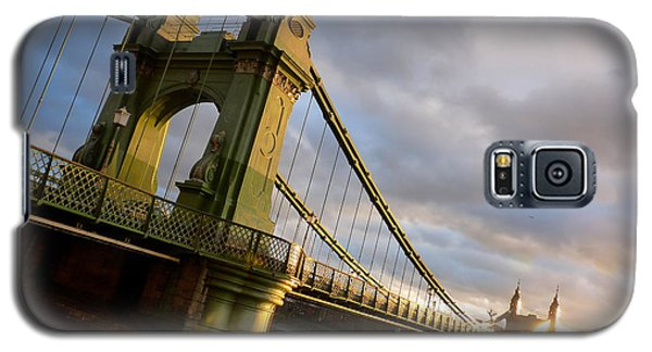 Galaxy S5 Case featuring the photograph Hammersmith Bridge In London by Peta Thames