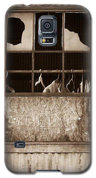 Hangers In The Window Galaxy S5 Case