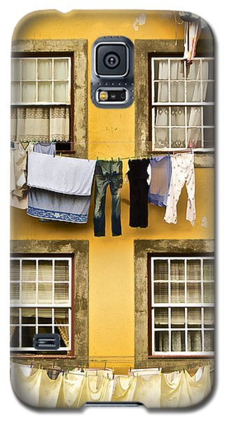 Hanging Clothes Of Old World Europe Galaxy S5 Case