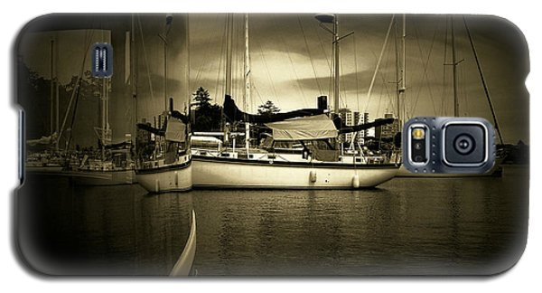 Galaxy S5 Case featuring the photograph Harbour Life by Micki Findlay