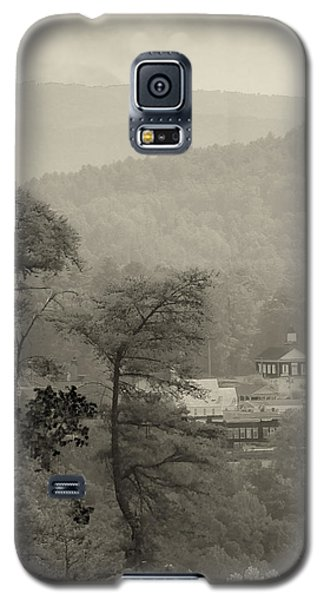 Galaxy S5 Case featuring the photograph Harshaw Chapel by Margaret Palmer
