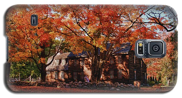 Galaxy S5 Case featuring the photograph Hartwell Tavern Under Canopy Of Fall Foliage by Jeff Folger