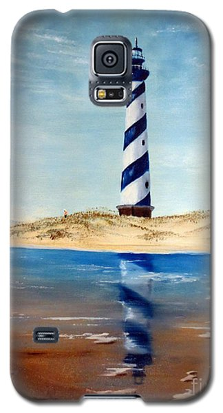 Galaxy S5 Case featuring the painting Hatteras Lighthouse by Lee Piper