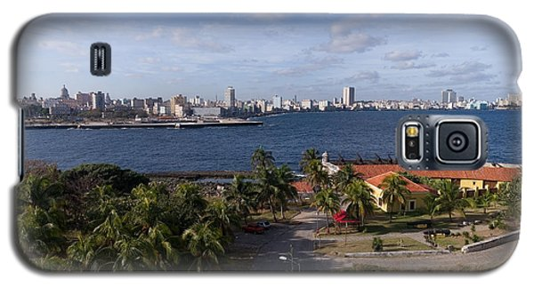 Galaxy S5 Case featuring the photograph Havanna Skyline by Juergen Klust