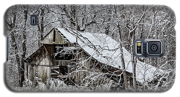 Galaxy S5 Case featuring the photograph Hay Barn In Snow by Debbie Green