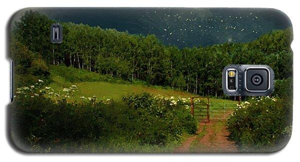 Hazy Moon Meadow Galaxy S5 Case