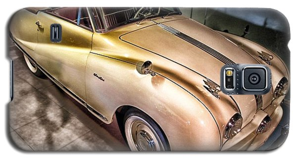 Galaxy S5 Case featuring the photograph Hdr Classic Car by Paul Fearn
