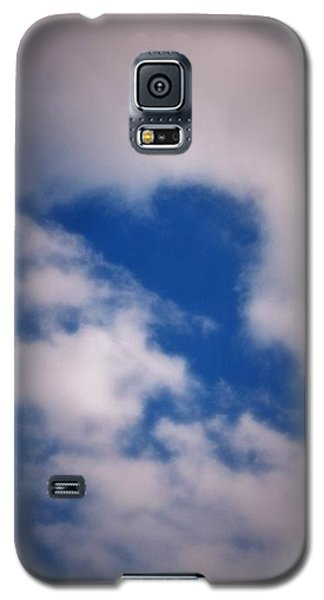 Galaxy S5 Case featuring the photograph Heart In The Clouds by Tara Potts