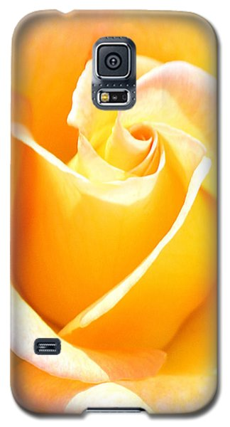 Her Sweet Perfume Galaxy S5 Case by The Art Of Marilyn Ridoutt-Greene