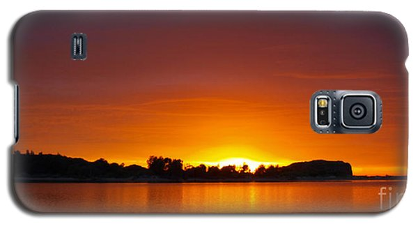 Here Comes The Sun Galaxy S5 Case by Trena Mara