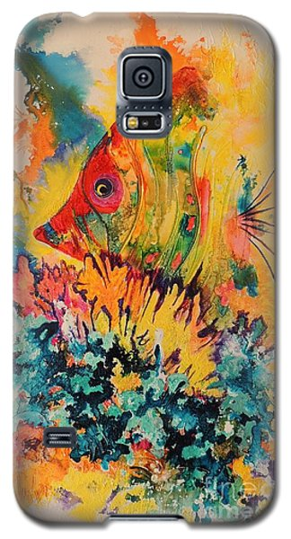 Galaxy S5 Case featuring the painting Hiding Amongst The Coral by Lyn Olsen