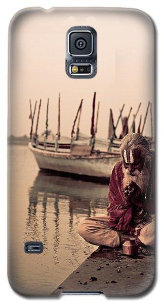 Hindu Priest Offering Prayers Galaxy S5 Case