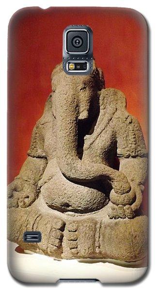 Galaxy S5 Case featuring the sculpture Hindu Statue God Ganesha by Brigitte Emme